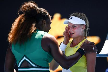 Serena consoles beaten teen: You did amazing