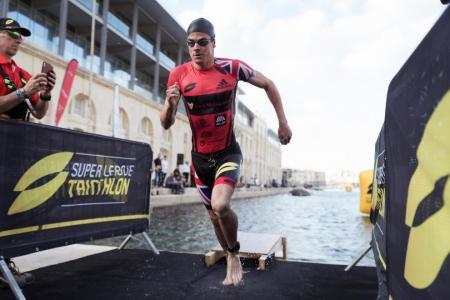 Brownlee cranks up the heat ahead of triathlon in Singapore