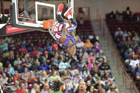 Globetrotters' Singapore date