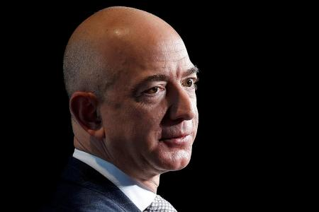 The saga of Amazon boss' selfie leak full of blackmail, intrigue