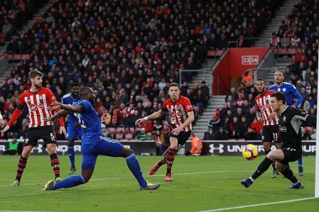 Bamba dedicates goal and Cardiff victory to Sala