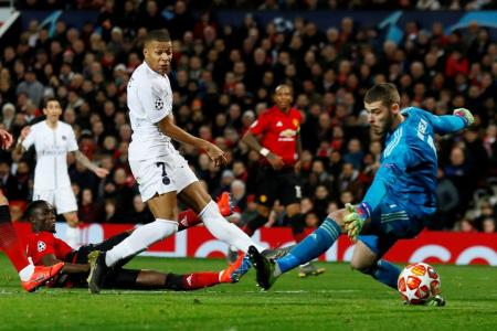 Man United face uphill task after 2-0 loss to PSG