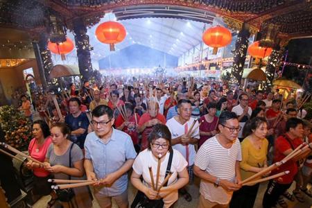 Thousands of devotees celebrate Jade Emperor's birthday