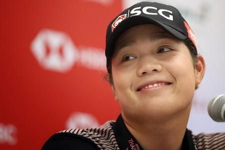 A woman for all golf seasons