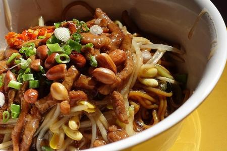 Makansutra: Beef up your noodles at Hometown Hainan Fen