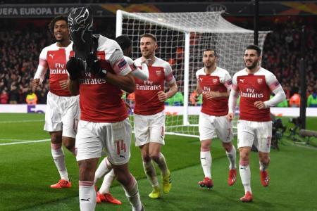 Aubameyang sends Arsenal through to Europa League q-finals