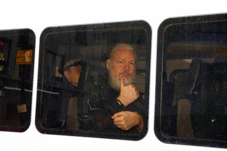 UK cops enter Ecuadorean embassy, nab WikiLeaks founder Assange