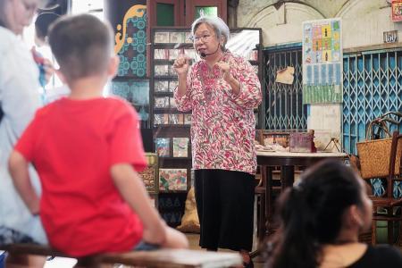 Storytellers bring history to heartland at bicentennial roadshow
