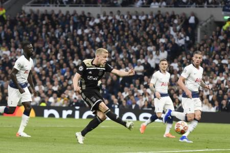 Advantage Ajax as sloppy Spurs slip at home