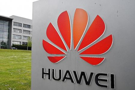 Trump to sign order that will ban Huawei