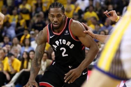 Ailing Warriors no match for Raptors' teamwork