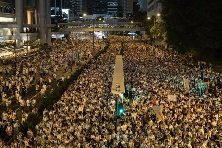 Hundreds of thousands of people in HK protest against extradition Bill