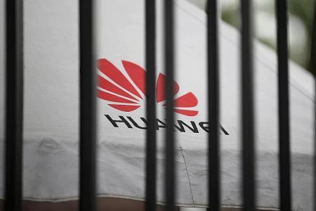 China warns top tech firms after US Huawei ban