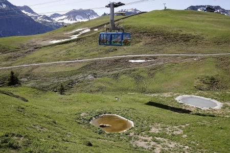 Swiss resorts worry about melting snow