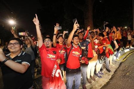 Fans see red over the cold Red Devils