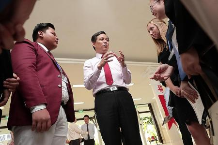 Ministers Chan Chun Sing urges student leaders to build bridges