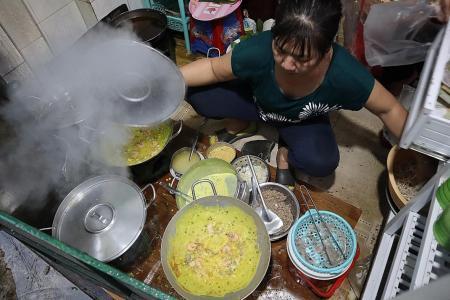 Makansutra: Nothing says Vietnam more than sizzling pancake Banh Xeo