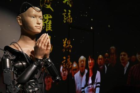 Kyoto temple puts faith in robot priest