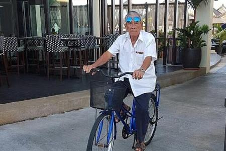 Elderly cyclist killed in hit-and-run accident