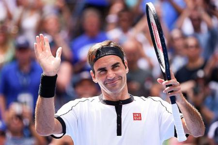 Federer reaches 13th US Open q-final, but injured Djokovic pulls out
