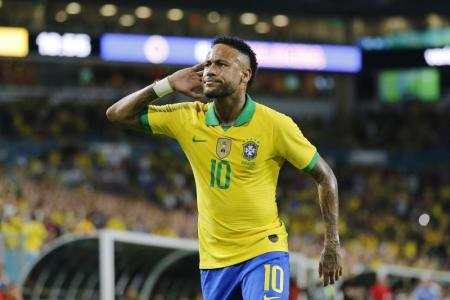 Neymar scores as Brazil are held by Colombia