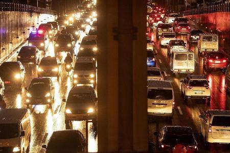 Manila jams costing lives as ambulances get stuck in traffic