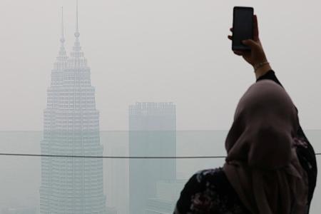 Malaysia's Mahathir hasn't written to Indonesia's Jokowi on haze
