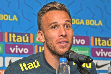 Barca's Arthur hoping to solve Brazil's problem with the No. 8 role