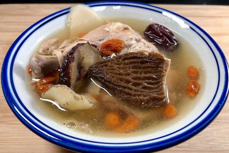 Morel chicken soup to boost your immunity
