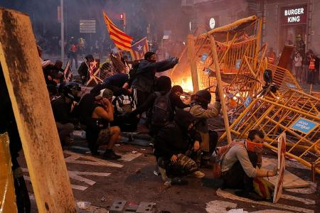 Catalan protesters inspired by Hong Kong