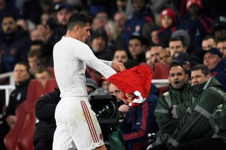 Emery: Xhaka wrong to feud with Arsenal fans
