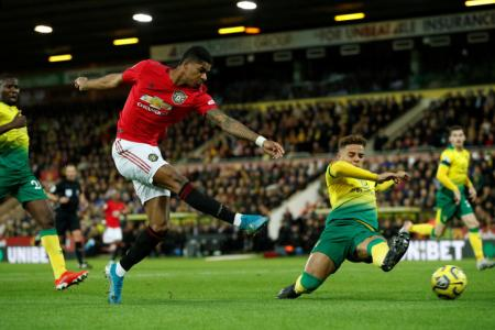Man United overcome penalty misses to see off Norwich