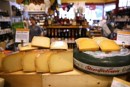 Reasons to cut back on cheese