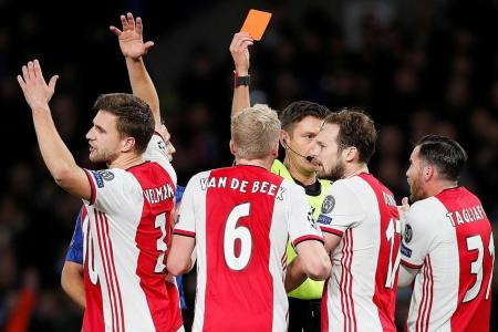 Ajax in 4-4 draw with Chelsea after double dismissals