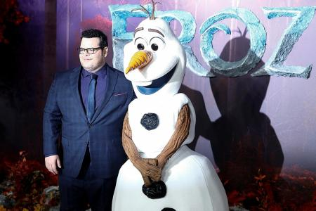 Frozen 2 heats up box office with record debut