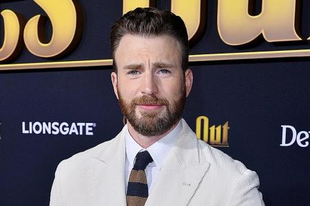 Chris Evans embraces his inner jerk in Knives Out