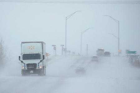 US winter storm threatens to muddle Thanksgiving plans