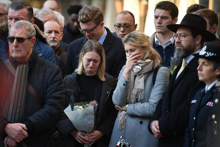 London pays tribute to victims and heroes of attack