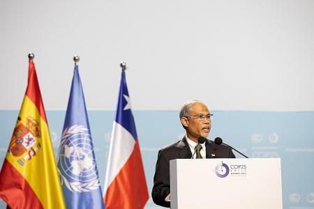 Singapore to update climate pledge, go even greener