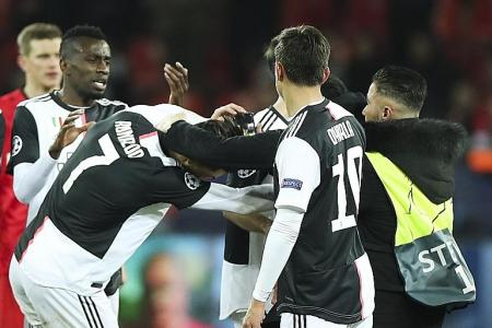 Cristiano Ronaldo irked by invading fans in Champions League match