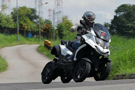 Quadro Qooder allows you to get on all fours