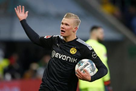 Haaland scores hat-trick on debut to help Dortmund win