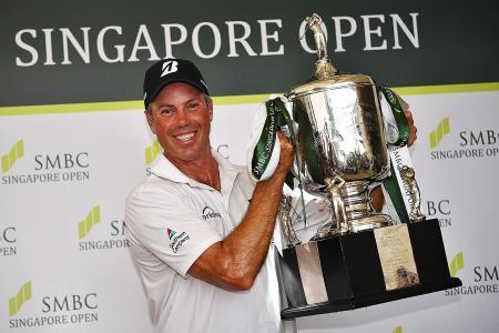 Matt Kuchar recovers from triple-bogey to win SMBC Singapore Open