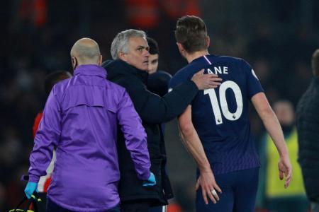 Jose Mourinho and Harry Kane