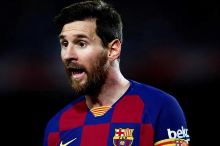 Abidal in crisis talks with Barcelona after Messi row