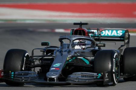 Mercedes cause stir by reinventing the steering wheel