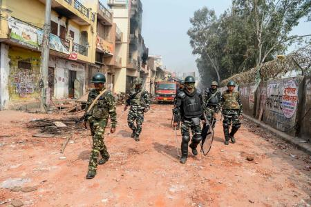 Indian PM appeals for peace as death toll hits 20 in Delhi riot
