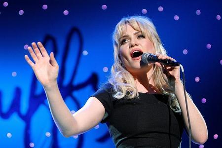 Welsh singer Duffy reveals rape, abduction