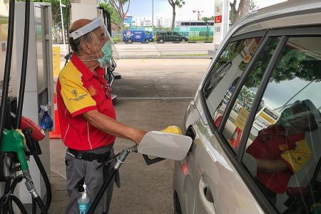 Pump prices fall below $2 a litre, diesel remains unchanged