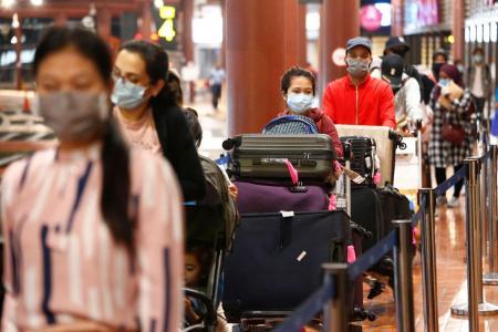 Thousands make late dash to leave Jakarta before Hari Raya